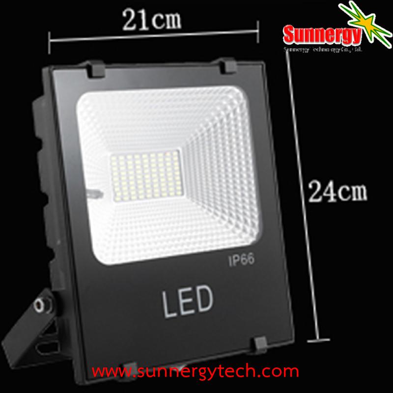 LED Solar Flood Light 100W พร้อมแบตเตอรี่ 13000mAh