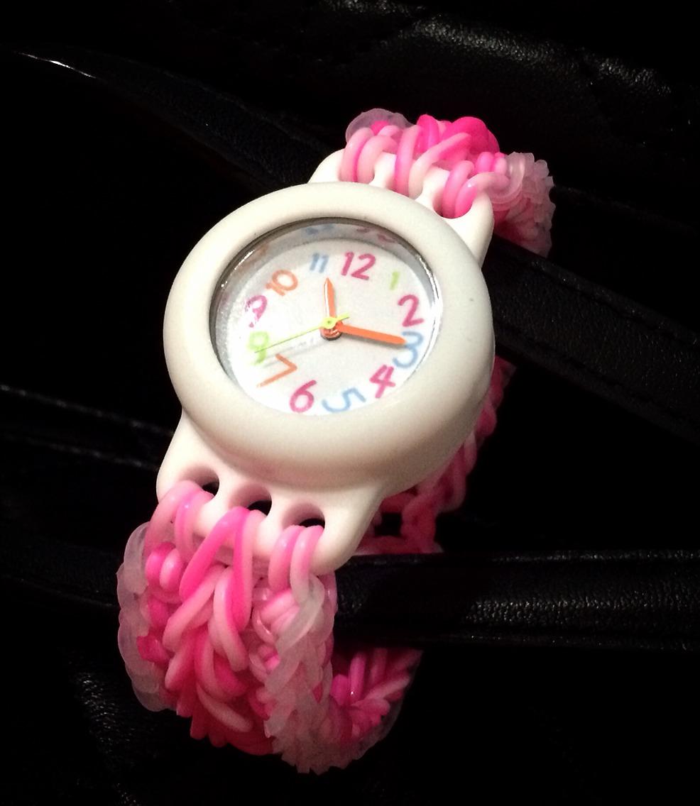 นาฬิกาข้อมือด้วยหนังยางถัก loombands