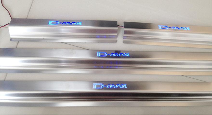 สคัพเพลท D-Max มีไฟ LED