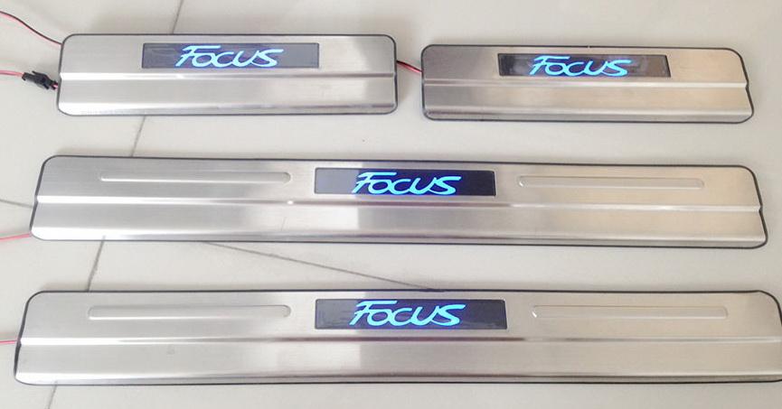 สคัพเพลท Ford Focus มีไฟ LED