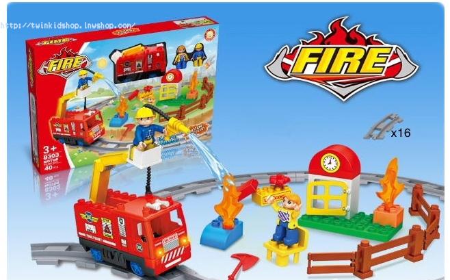 บล๊อก ชุดตัวต่อรถดับเพลิง มีไฟมีเสียง วิ่งได้จริง แบบกล่อง 40 ชิ้น FIRE MOTOR Building Block 8303