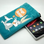 Universal Pouch For Smart Phone Bugs Bunny 001