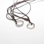 สร้อยเชือกจี้แหวนสลักชื่อ