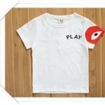 เสื้อเด็กแขนสั้น ลาย Play สีขาวแขนแดง มีขนาด 90-130