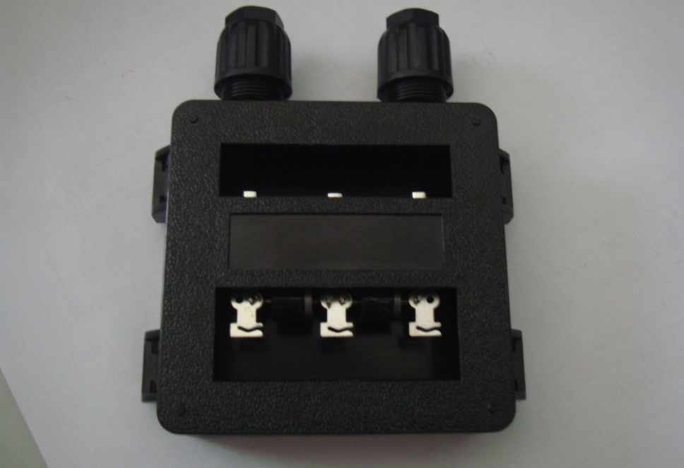 Cable & Connector (ตัวเชื่อมสายไฟ) แบบ Junction Box -100