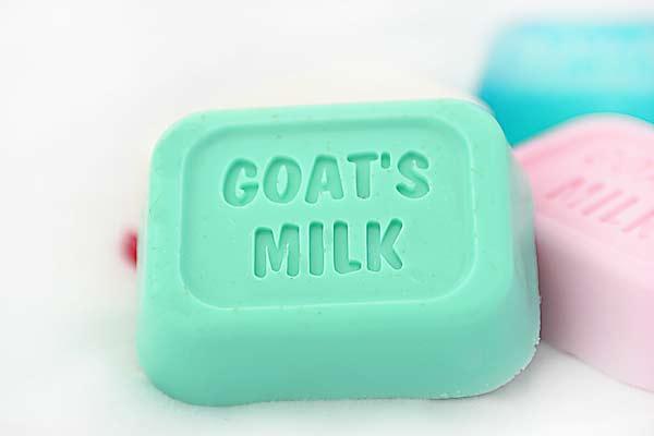 แม่พิมพ์สบู่ รูปสี่เหลี่ยม goat's milk 110g