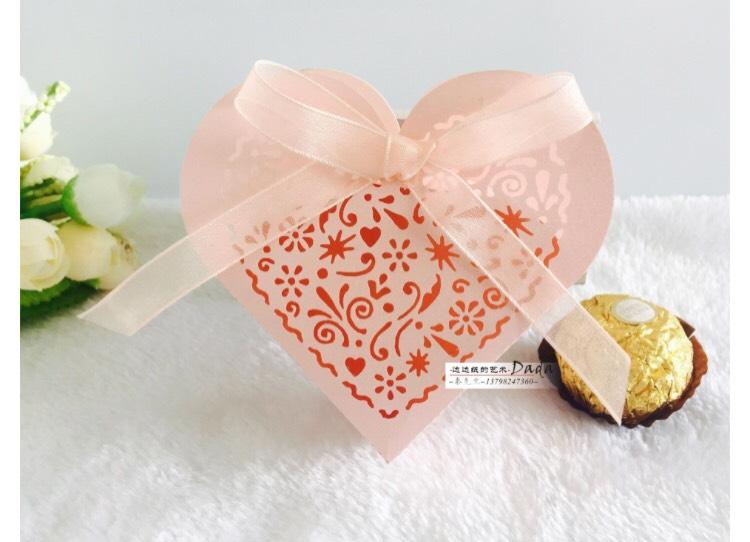 กล่องฉลุหัวใจสีชมพู 50 ชิ้น